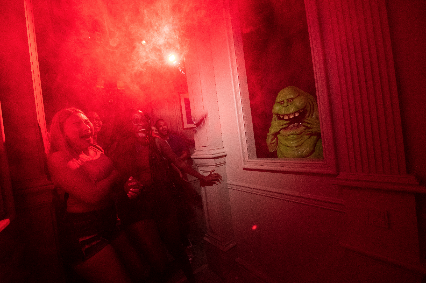 Halloween Horror Nights: image of couple at Ghostbusters
