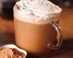 Starbucks pours BOGO fall beverages